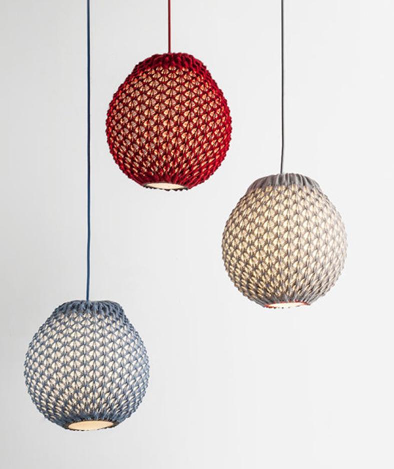knitted_lampada_uncinetto_sospesa